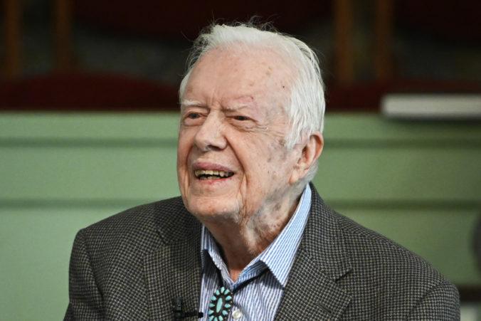 Americký exprezident Carter podstúpi operáciu, zákrok má zmierniť tlak na mozog