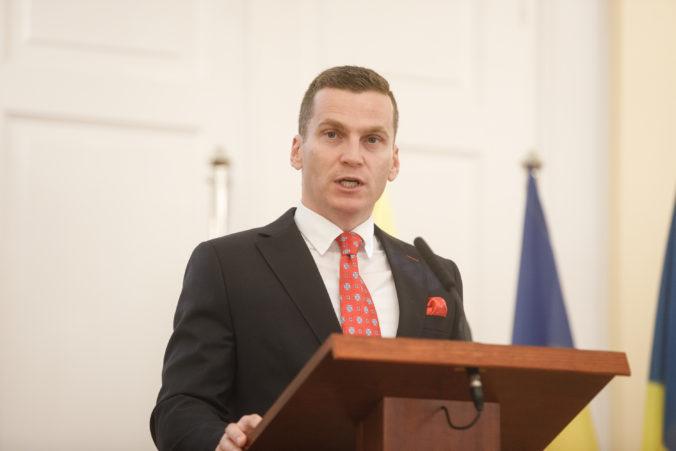Predseda ÚVO Miroslav Hlivák reaguje na kritiku politikov, je pripravený diskutovať