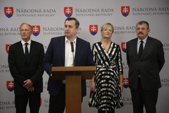 Kandidátku SNS povedie Danko, do strany vstupuje ministerka Lubyová