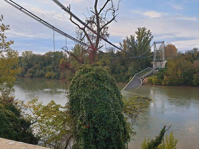 Video: Pri obci Bessieres sa zrútil most, zahynulo 15-ročné dievča