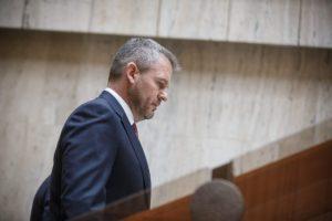 Pellegrini tvrdí, že polícia v prípade obvineného politika OĽaNO koná v súlade so zákonom