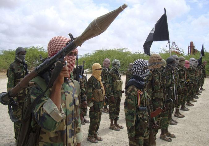 Teroristi zo skupiny aš-Šabáb zastavili v Keni autobus a zabili ôsmich cestujúcich