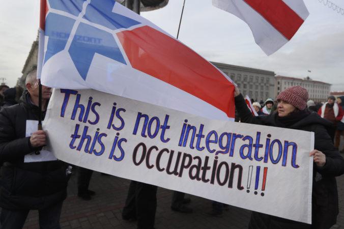 Opoziční demonštranti protestovali v Minsku proti užšej integrácii Bieloruska a Ruska
