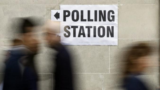 Reddit zablokoval desiatky účtov podozrivých zo zasahovania do blížiacich sa volieb v Británii