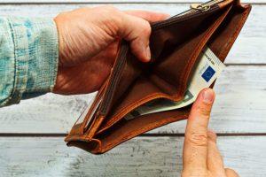 Slováci žiadajú o osobný bankrot často, hovoria štatistiky ministerstva spravodlivosti