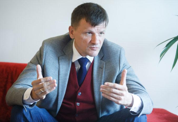 Biskupi Slovenska kritizujú Hlinov slovník voči kotlebovcom, ale politológ to vidí úplne inak