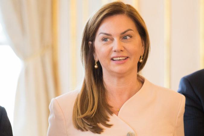 Fico by mal myslieť na svoje zdravie, do volieb by však mal zostať predsedom Smeru, myslí si Beňová