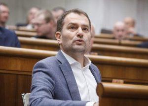 Fico dostal vlastnou lopatou po hlave, tvrdí Kollár a podľa Matoviča cielil na voličov Kotlebu