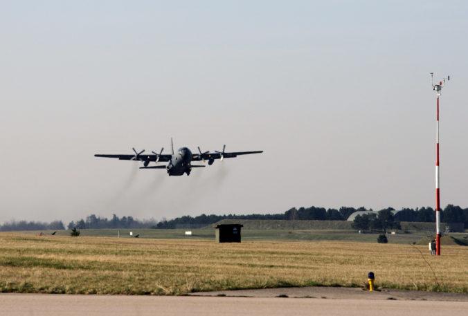 Stratilo sa vojenské lietadlo s 38 cestujúcimi, smerovalo na základňu na Antarktíde