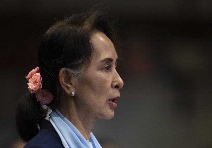 Líderka Su Ťij obhajuje Mjanmarsko pred obvineniami z genocídy Rohingov, proces je vraj neúplný