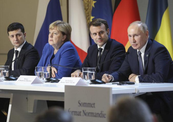 Putin a Zelenskyj sa dohodli na uplatnení prímeria na východnej Ukrajine, vymenia si aj zajatcov