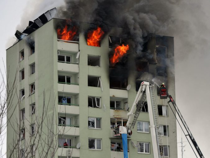 Mesto Prešov dostane po výbuchu v bytovke milión eur z rezervy premiéra Pellegriniho