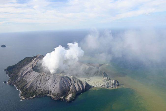 Video: Na Novom Zélande vybuchla sopka White Island