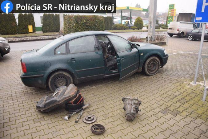 Policajti skrížili cestu zlodejom, za volantom sedel iba 17-ročný tínedžer (foto)