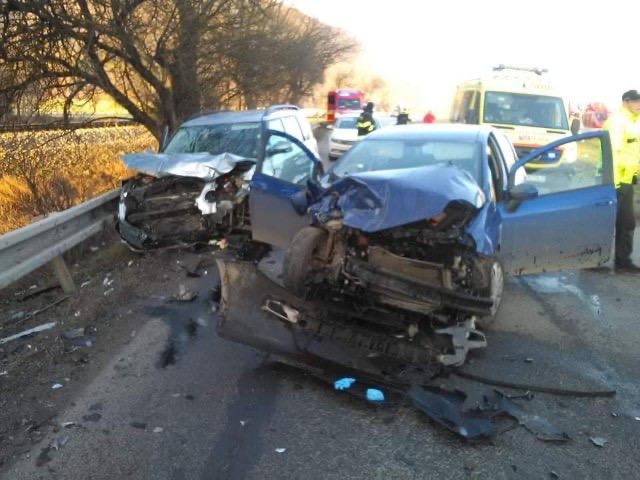 V Zbyňove sa zrazili dve autá, zasahovali aj leteckí záchranári (foto)