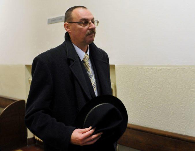 Polícia mala pri Trnkovi koordinovať postup s prokurátorom, zhodli sa právnici