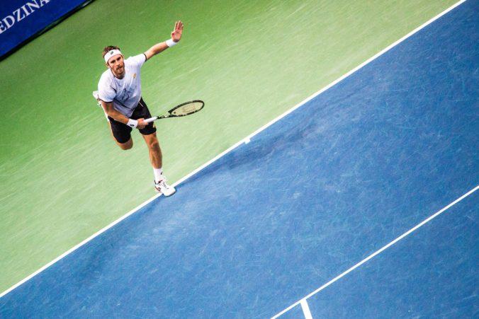 """Gombos v úvodnom kole Australian Open zahral 53 """"winnerov"""", ale päťsetovú bitku prehral"""