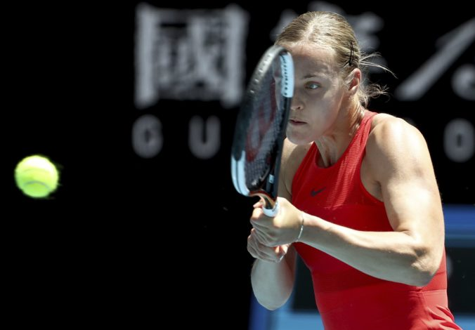 Schmiedlová opäť neprešla cez prvé kolo Australian Open, nestačila na Bencicovú (video)