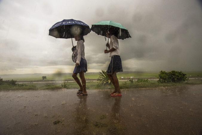 Mohutné záplavy po prudkých dažďoch na Madagaskare si vyžiadali už viac než dvadsať obetí