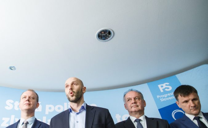 Truban a Hlina požičali svojím stranám státisíce eur, kiskovcom pomohli v kampani najmä podnikatelia