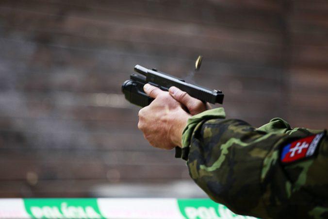 Aktualizované: V nákupnom centre sa strieľalo, neprežil to chlapec, v nemocnici sú dvaja dospelí a dievča (video)