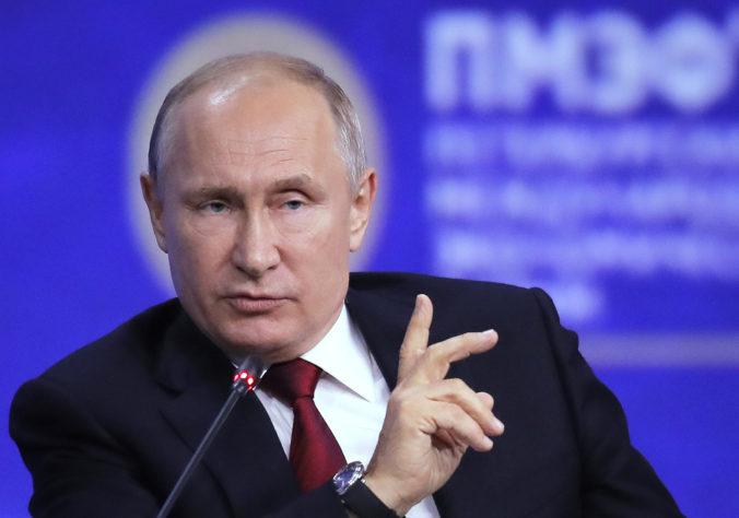 Nová ruská vláda je zostavená, Putin predstavil jej kompletné zloženie