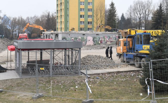 Prešovský poslanec podal podnet na políciu, žiada prešetrenie prác za 1,1 milióna eur na zničenej bytovke