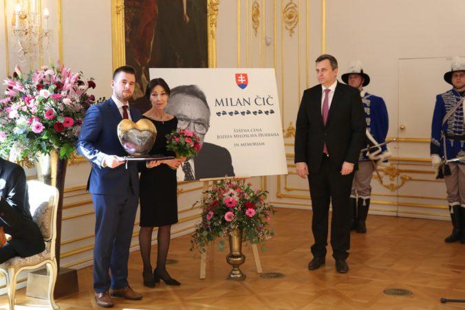 Danko odovzdal Štátnu cenu Jozefa Miloslava Hurbana in memoriam prvému ponovembrovému premiérovi