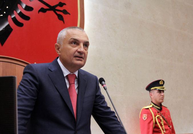 """Albánsky prezident zažaloval ministerku spravodlivosti za to, že si """"ukradla"""" právomoci"""