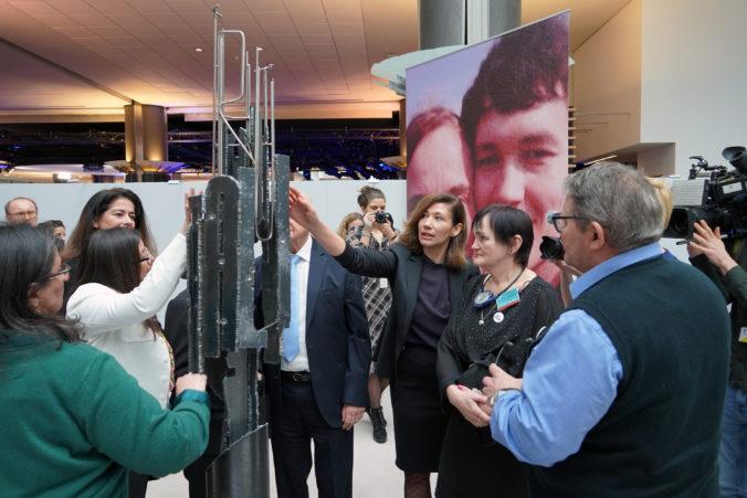 V Európskom parlamente odhalili pamätník slovenského novinára so snúbenicou a aj maltskej novinárky