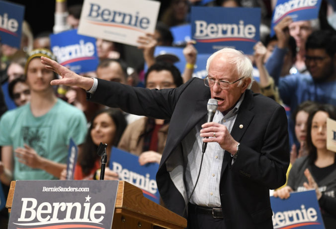 Ruskí pranksteri si vystrelili z Bernieho Sandersa, podľa AP sú napojení na Kremeľ