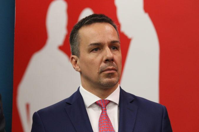 Smer prijíma podľa Tomáša sociálne opatrenia priebežne, Ďuriš Nichoslonová hovorí o populizme