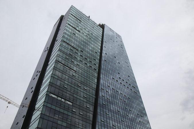 Do najvyššej administratívnej budovy na Slovensku Nivy Towersa čoskoro môžu sťahovať prví nájomníci