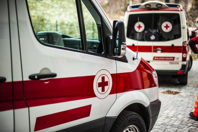 Mimoriadna správa! V Česku sa čelne zrazili vlaky, hlásia množstvo mŕtvych a zranených