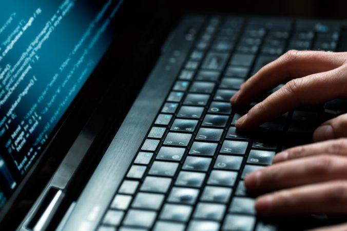 Hackeri prenikli do americkej bezpečnostnej agentúry, unikli osobné údaje státisíciek ľudí