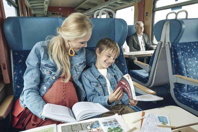 Zabudli ste si knihu do vlaku? ZSSK vám ju požičia počas Týždňa slovenských knižníc