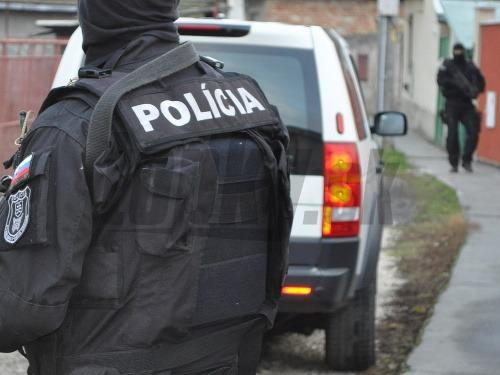 NAKA opäť zasahovala, päť osôb podozrivých z korupcie skončilo v putách