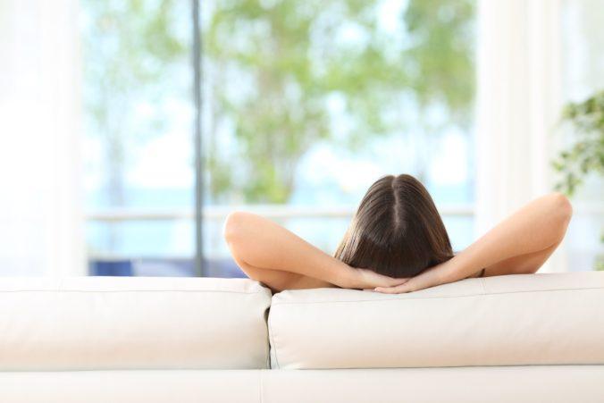 Zamestnanci vo Veľkej Británii si pre koronavírus môžu dovolenky odložiť až o dva roky
