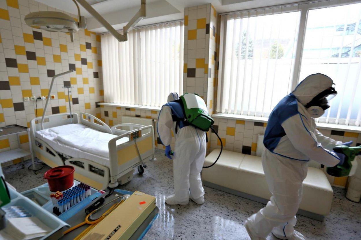 Aktualizované (štvrtok): Poznáme podrobné informácie o novonakazených Slovákoch koronavírusom