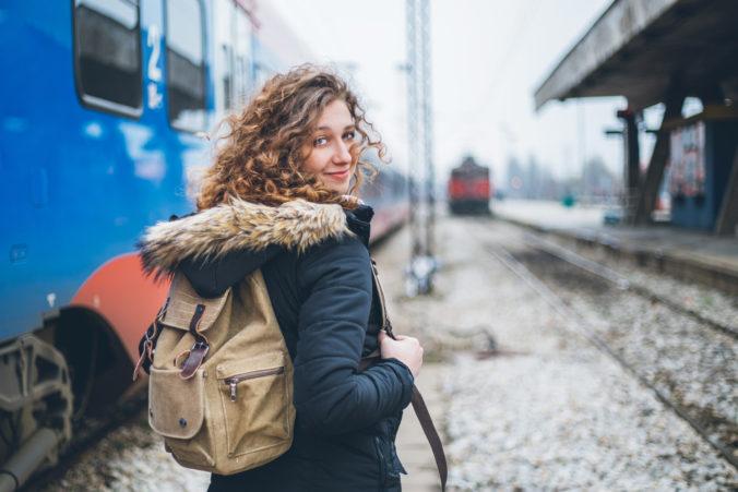 Nariadením vlády SR je vo vlakoch ZSSK dočasne zrušená bezplatná preprava pre žiakov a študentov