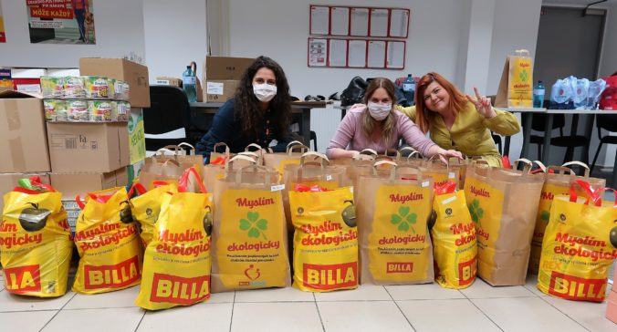 BILLA spolu so svojimi dodávateľmi venovala seniorom  z Bratislavského kraja potravinové balíčky