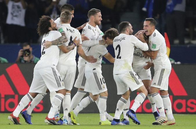 Real Madrid na športové úspechy nemyslí, pre boj s koronavírusom poskytol lietadlo a štadión