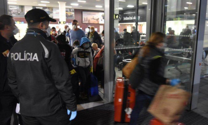 Všetci Slováci vracajúci sa zo zahraničia, absolvujú povinnú štátnu karanténu