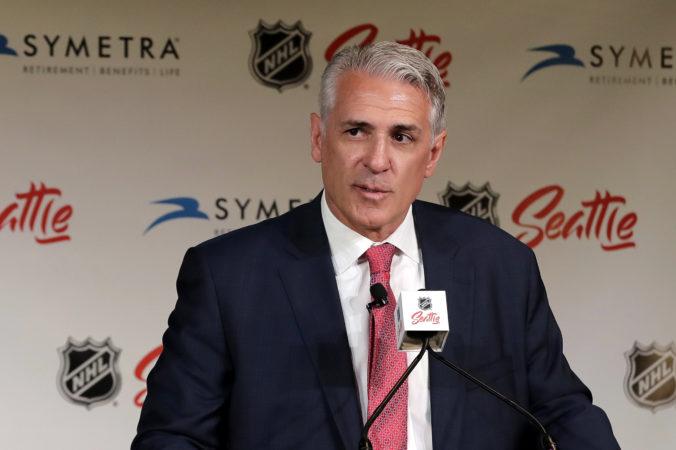 Nový klub v NHL by mal čoskoro oznámiť svoj názov, generálny manažér hľadá kouča