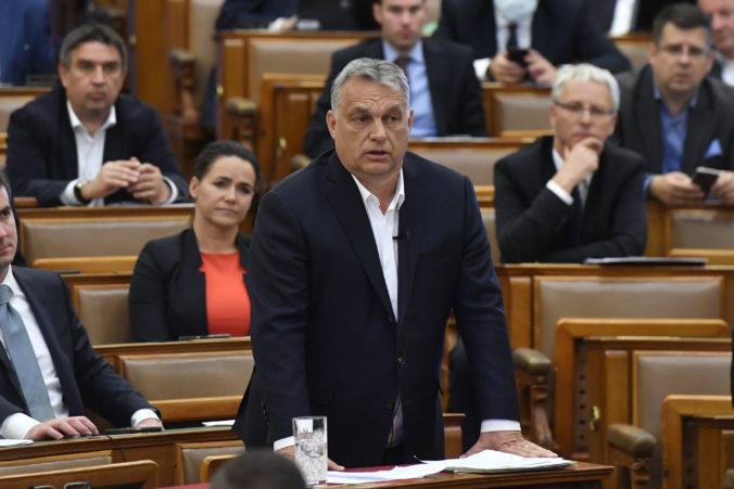 Premiér Orbán chce miliardami eur vytvoriť toľko pracovných miest, koľko ich koronavírus zničí