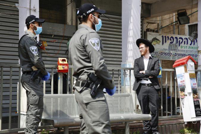 Ultraortodoxní Židia ignorovali preventívne opatrenia, mesto Bnej Brak sa ocitlo v izolácii