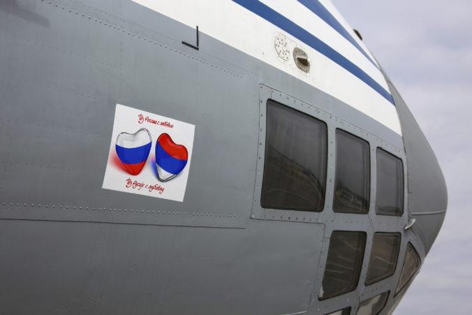 Rusko pomôže Srbsku v boji proti koronavírusu, armáda pošle zdravotníkov aj vybavenie