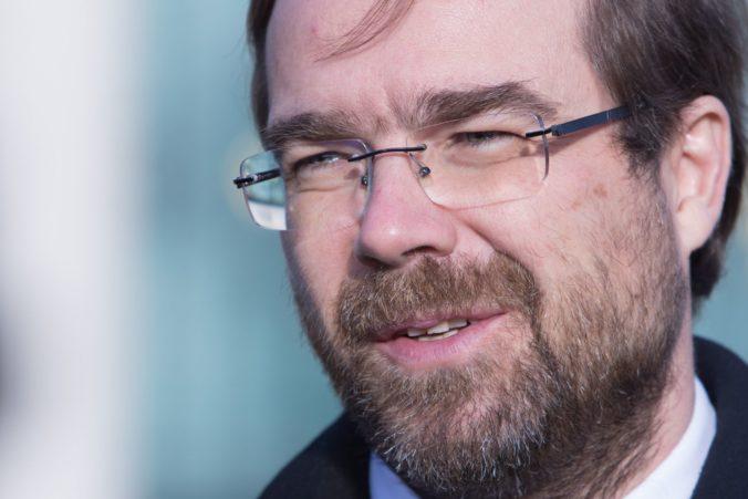 Minister zdravotníctva Krajčí znovu odvolával, vedenie NÚDCH u neho stratilo dôveru