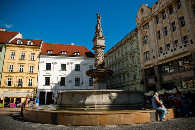 V hlavnom meste spustia väčšinu fontán, voda v nich je však chemicky upravená a nie je pitná