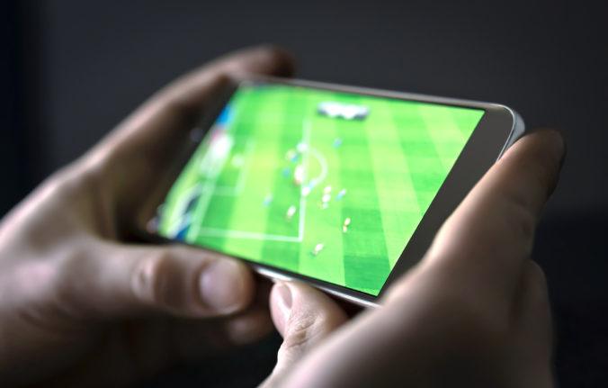 Futbaloví fanúšikovia môžu povzbudzovať svoj tím aj na diaľku, krik a potlesk prenesie mobilná aplikácia